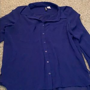 Long sleeve blue button up blouse